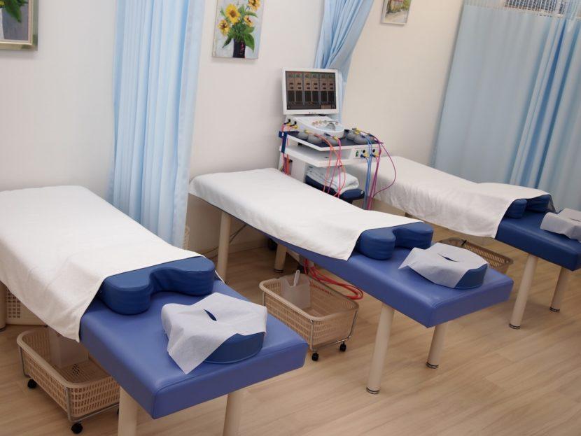 相模原市緑区橋本「晴れの日接骨院」治療ベッド